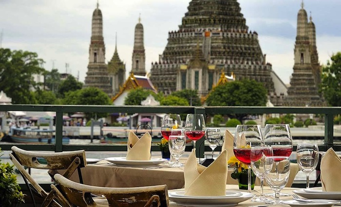 RomanceActually   Love Dating Relationships   By Lunch Actually     Top    most romantic restaurants in South East Asia